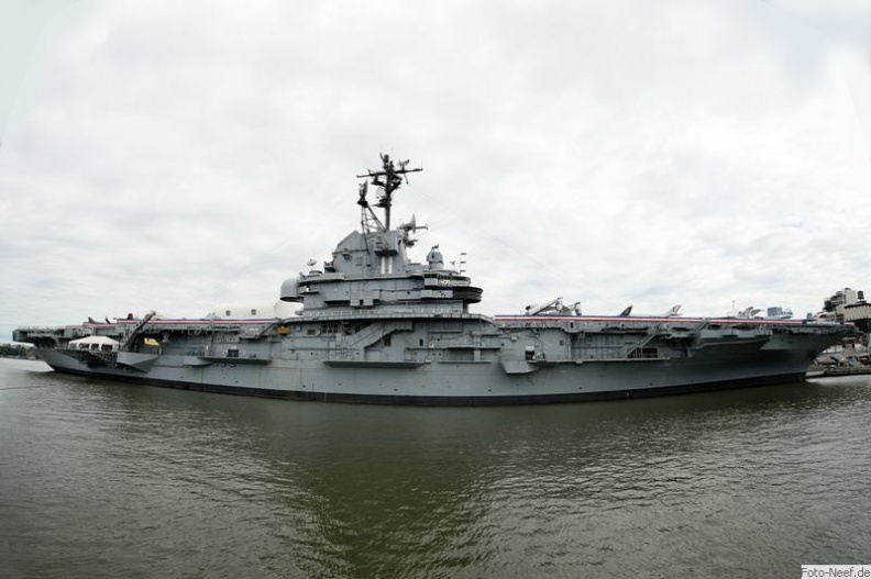 new york - uss intrepid
